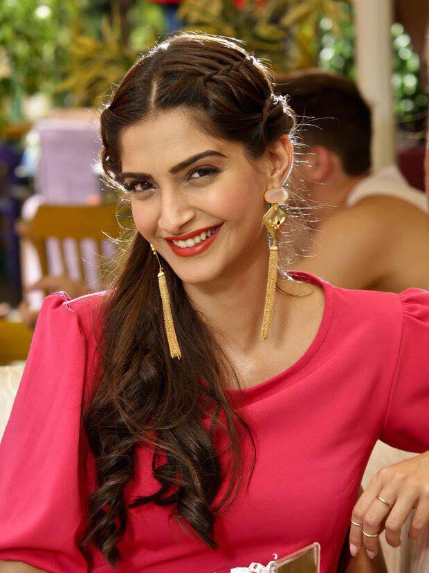 Sonam Kapoor Cute Smile Still From Dheere Dheere Song