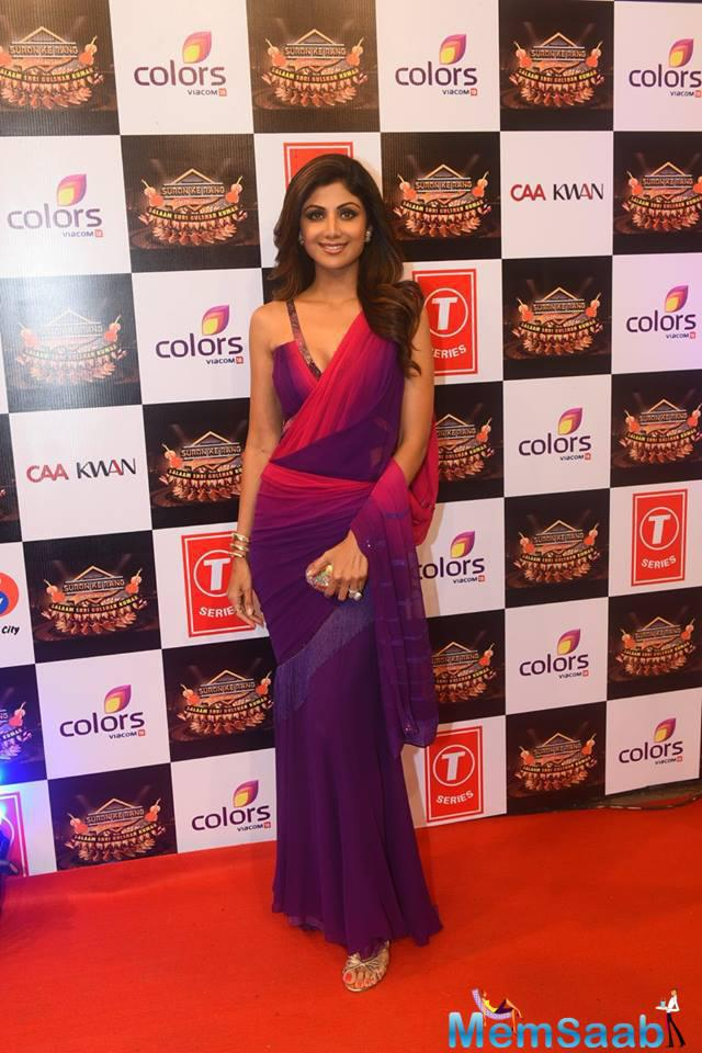 Shilpa Shetty In Saree Sexy Look On Red Carpet At Suron Ke Rang Color Ke Sang Musical Event