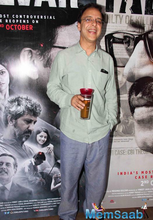 Vidhu Vinod Chopra Smiling Pose For Camera At The Special Screening Of Talvar Movie