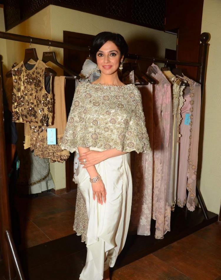Divya Kumar Khosla Stunning Look In Anamika Khanna Dress At The Launch Of Jhelum Store Hosted By Kaykasshan Patel