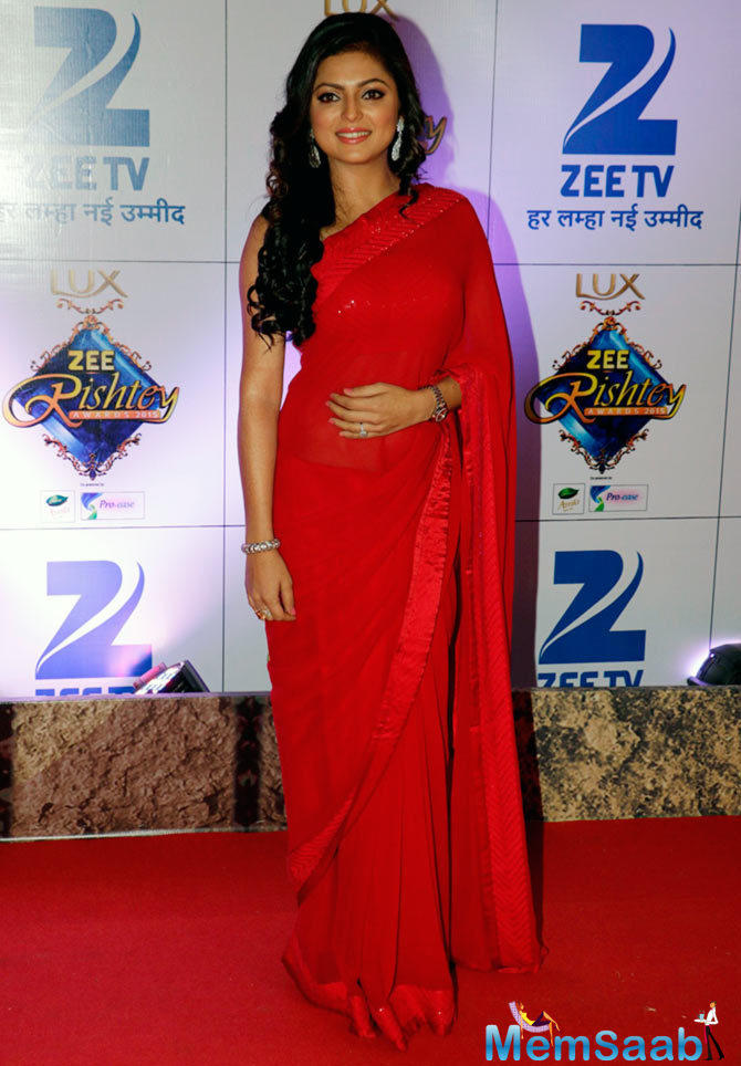 Drashti Dhami Makes A Stunning Appearance In Red Saree