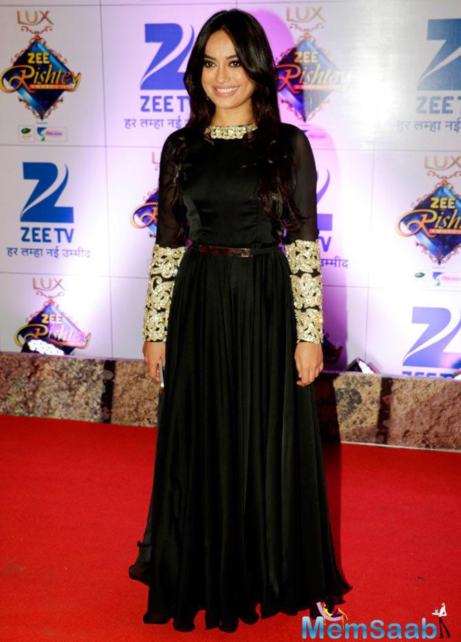 Qubool Hai Actress Surbhi Jyoti Looked Stunning In Black Attire