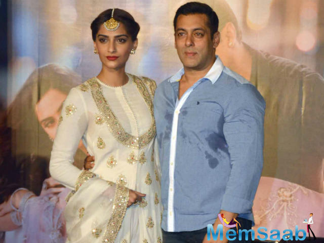 Sonam Kapoor says that her Prem Ratan Dhan Payo co-star Salman Khan is her favourite and she finds him 'bloody hot'.