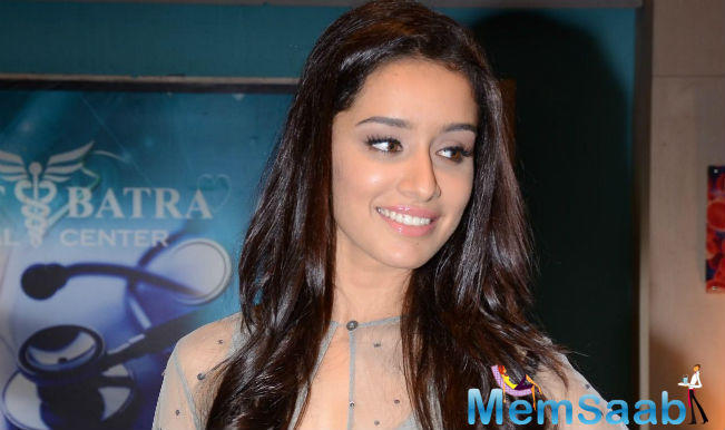 In addition to acting in films, Shraddha Kapoor has sung several of her film songs .After showcasing her singing talent in films like 'Ek Villain' and 'Baaghi,' she is all set to turn guitarist for her forthcoming film 'Half Girlfriend'.