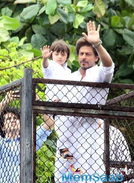 Meanwhile, Shah Rukh Khan is currently busy promoting Imtiaz Ali's 'Jab Harry Met Sejal'.