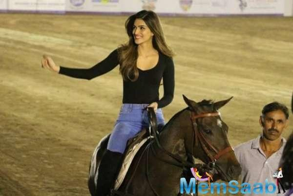 Kriti Sanon who has her hands filled currently with multiple projects like Housefull 4, Luka Chuppi, Arjun Patiala and Panipat, has started taking Marathi lessons for her upcoming next.