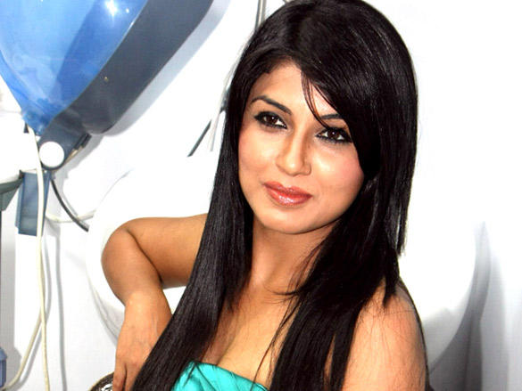 Aarti Puri close up pics