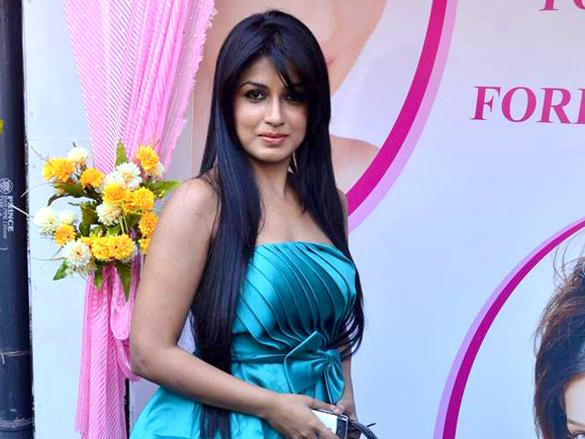Aarti Puri looking very gorgeous