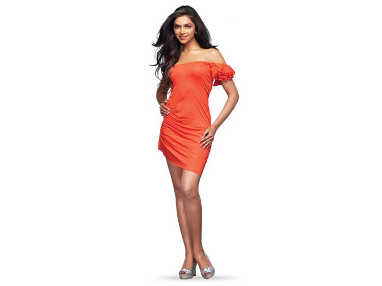 Deepika Padukone Mini Dress Sexy Wallpaper