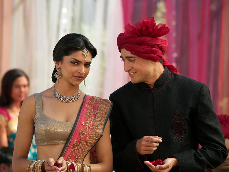 Deepika Padukone and Imran Khan Beauty Still