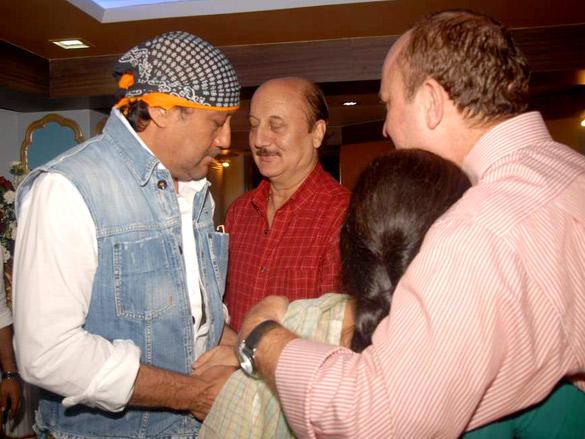 Jackie shroff  at Anupam Kher's father's prayer meet