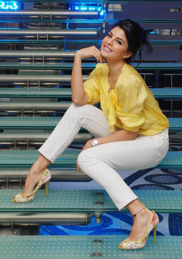 Jacqueline Fernandez Cute Hot Photo Shoot