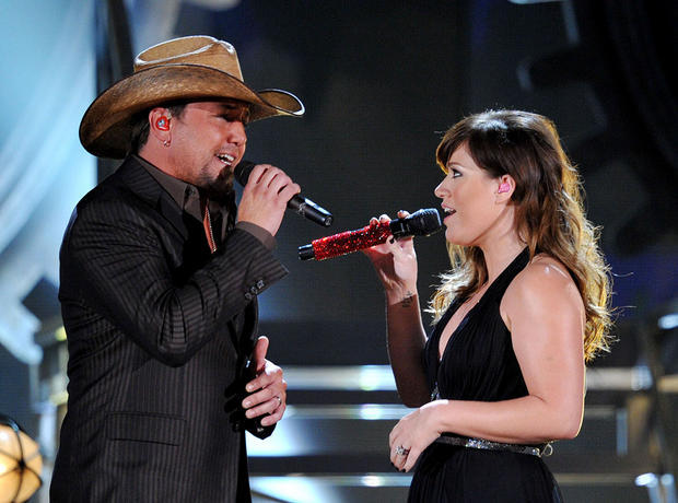 Jason and Kelly brought sexy back to the 54th annual Grammy Awards