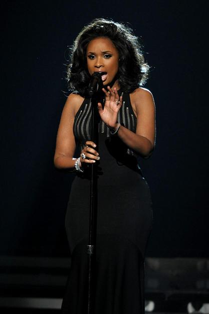 Jennifer Hudson performs on the stage