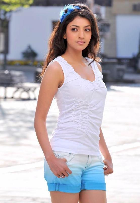 Kajal Agarwal Mini Dress Stunning Photo In Veera Movie