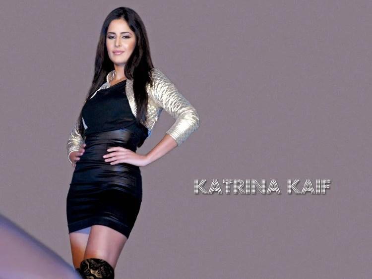 Katrina Kaif Sexy Pose Wallpaper
