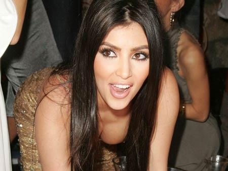 Kim Kardashian Sexy Cleavages Cute Hot Picture