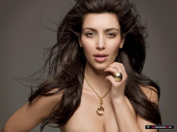 Kim Kardashian Sexy Face Picture