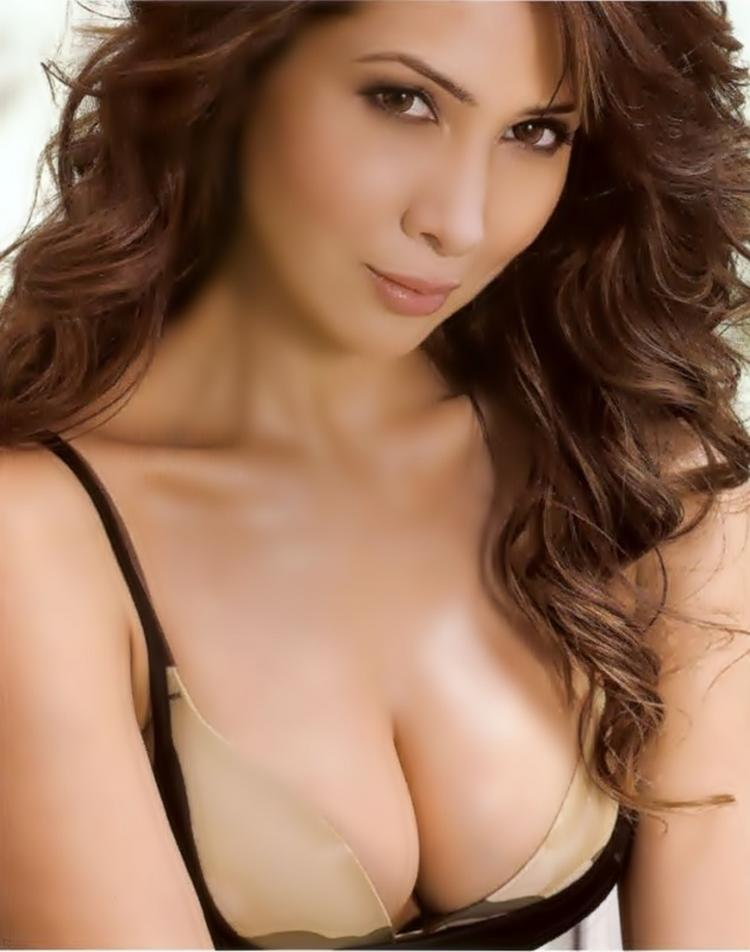 Kim Sharma Open Boob Still For Maxim