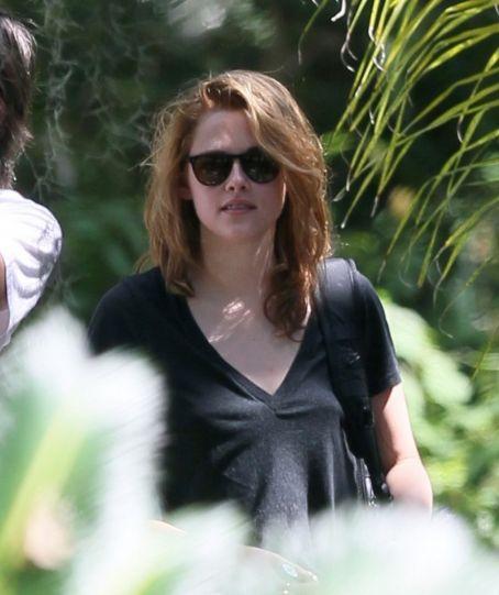 Kristen Stewart Stunning Hairstyle Picture