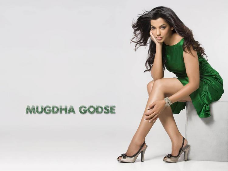 Mugdha Godse Green Dress Hot Scene Wallpaper