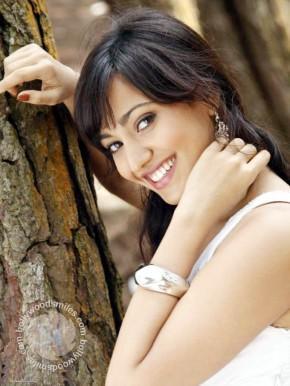 Neha Sharma Sweet Smile Pic