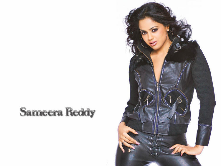 Sameera Reddy Romantic Face Wallpaper