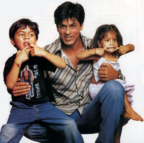 Shahrukh Khan With Son and  Daughter