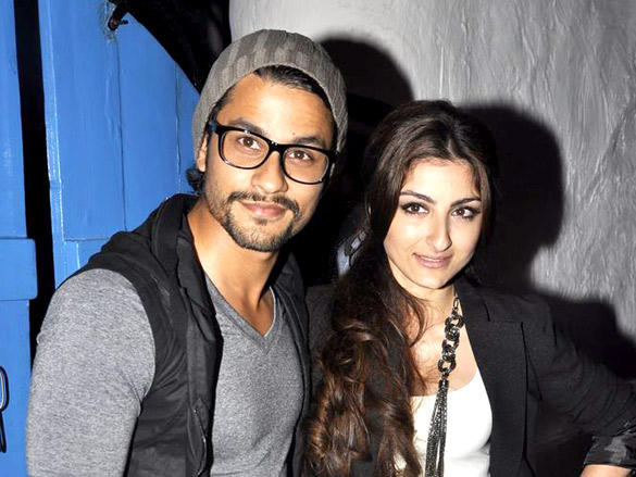 Soha Ali Khan with Kunal at Dabboo Ratnani's 2012 Calendar Launch