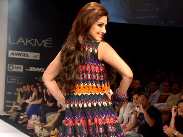 Sonali Bendre Ramp Walk At Lakme Fashion Week Day 4