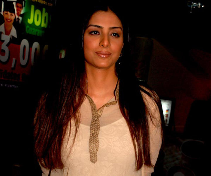 Tabu Khan Sweet Smile Glamour Still