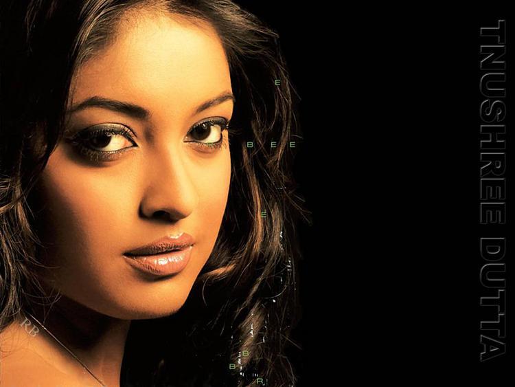 Tanushree Dutta Gorgeous Face Wallpaper