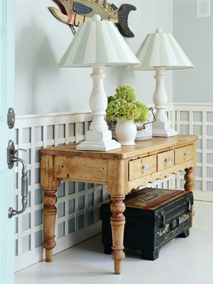wood side table with lamps