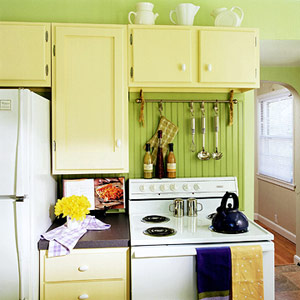 curtain-rod utensil rack above stove