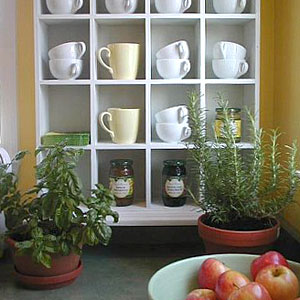 coffee mugs in holder