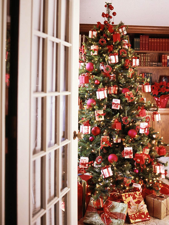 Christmas tree with red and white packages