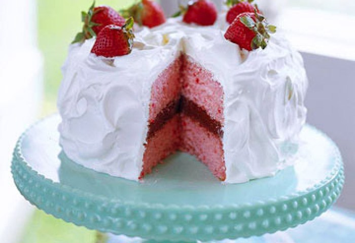 Strawberry Chocolate Cake Midwest Living