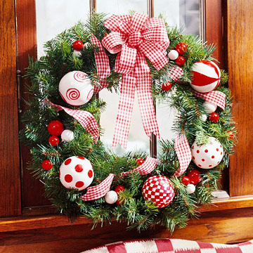 Red-and-White Wreath