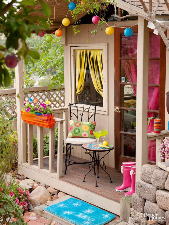 Small + Simple Outdoor Living Spaces on Small Backyard Living Spaces  id=86899