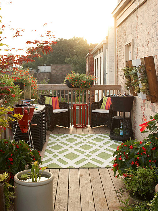 Small Deck Decorating on Small Back Deck Decorating Ideas id=62492