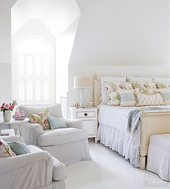 Cottage Style Decorating Bedroom Decor With A Muted Color Scheme And Flower  Prints