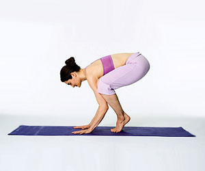 beginner yoga the crow position