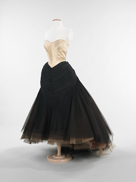 """Swan"" Ball Gown by Charles James at Met Museum"