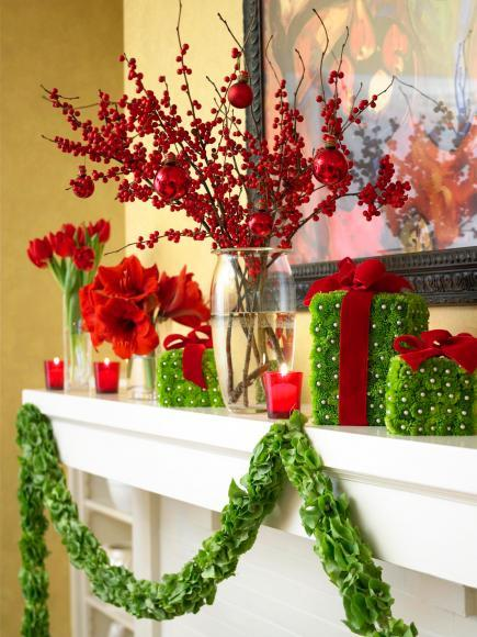 50 Gorgeous Holiday Mantel Decorating Ideas   Midwest Living Flower power