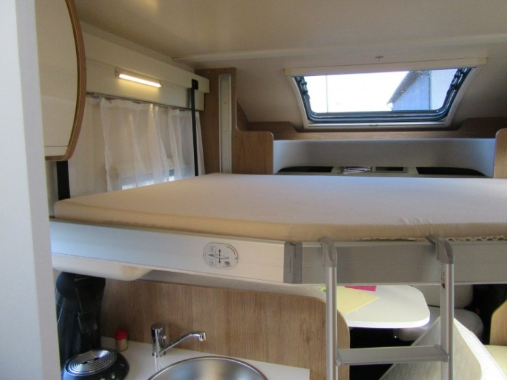 Wohnmobil 2 Personen Hubbett