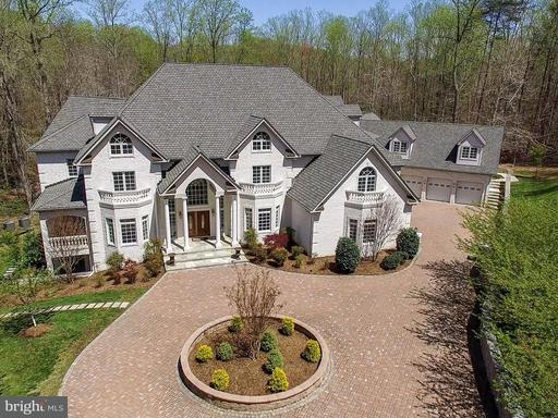 Property for sale at 8033 Woodland Hills Ln, Fairfax Station,  VA 22039