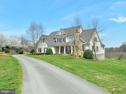 Property for sale at 16646 Mandileigh Ln, Hamilton,  VA 20158