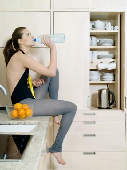 Agua, zumos e infusiones para evitar la retención de líquidos
