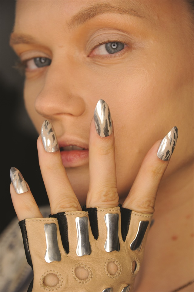 New Ways To Play With Chrome Like This Print Seen At Nyfw Will Be Hot In 2017 Photo Courtesy Of Man Taylor