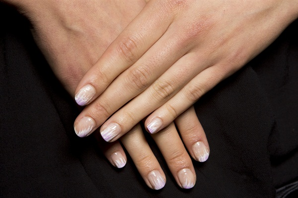 At Tadashi Shoji The Nail Look Incorporated Pale Colors And A Soft Ombre To Reflect S